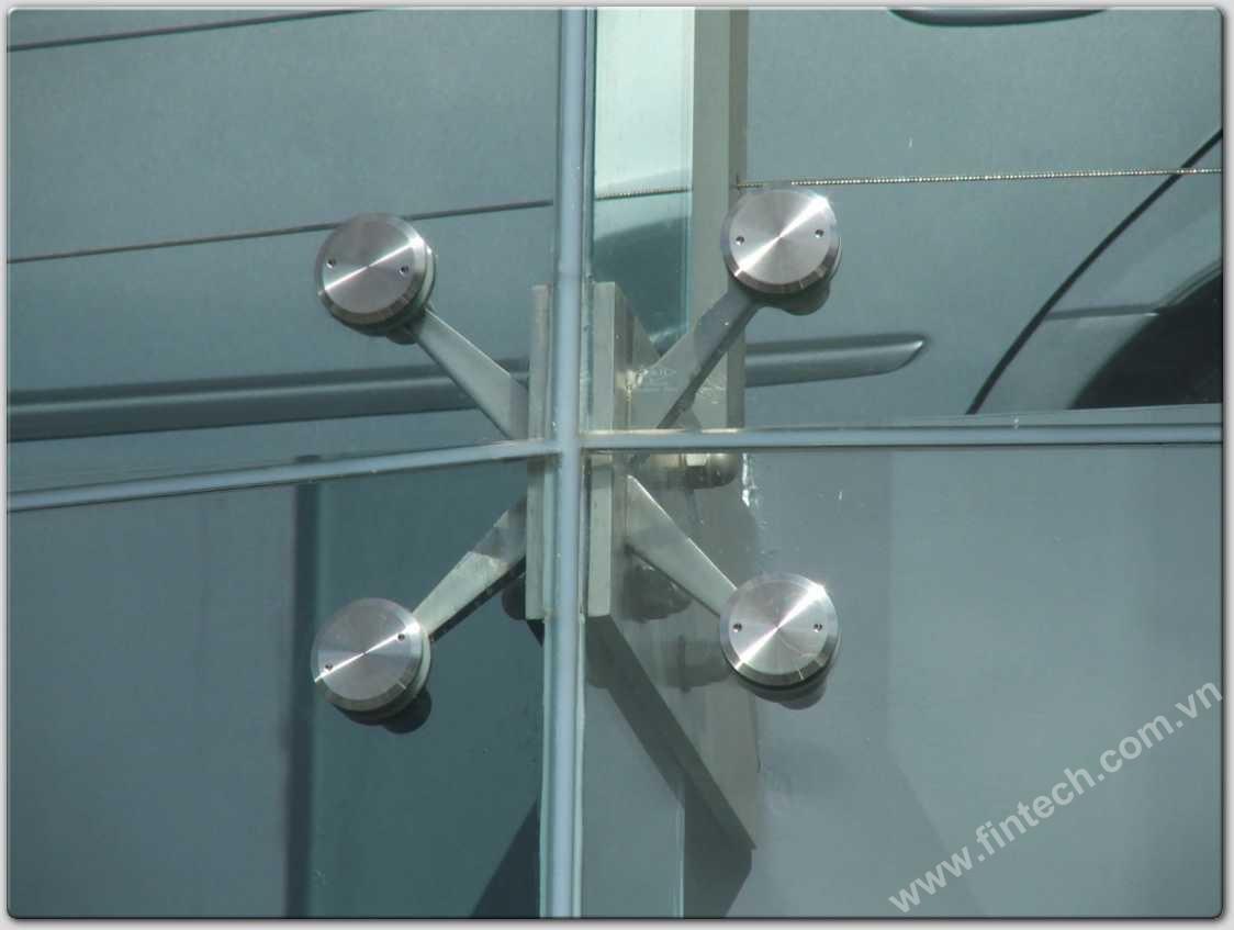 Mặt dựng nhôm kính Spider