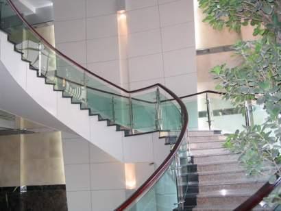 Báo giá cầu thang kính cường lực tại công ty cp đầu tư xây dựng Fintech3