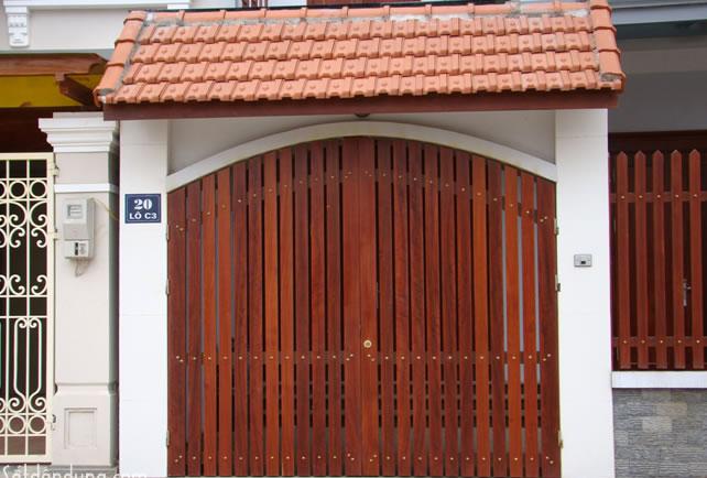 Những mẫu cửa cổng đẹp cho nhà thêm sang1