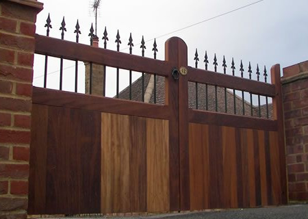Những mẫu cửa cổng đẹp cho nhà thêm sang5