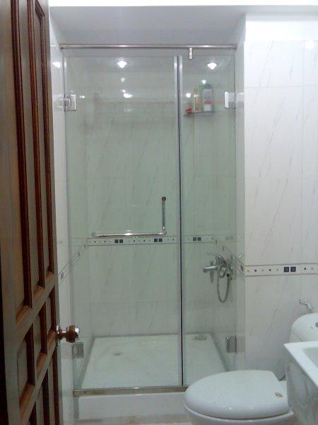Những mẫu phòng tắm kính đẹp đơn giản mà độc đáo nhất hiện nay1