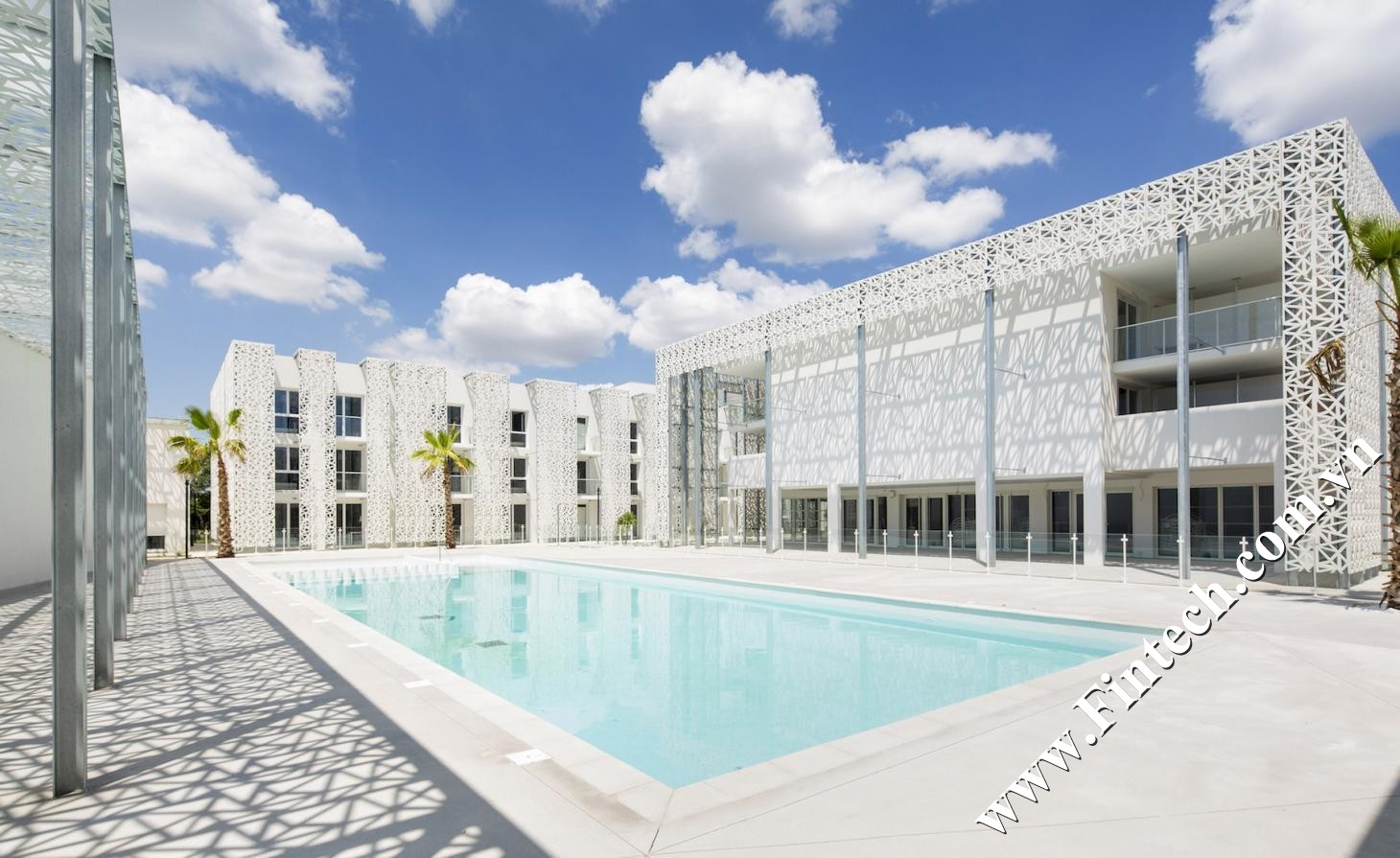 Lam chắn nắng CNC trang trí bể bơi