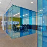 Những lợi ích đáng kinh ngạc khi sử dụng vách kính văn phòng