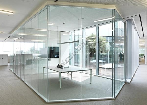 Vách kính cường lực văn phòng 15mm