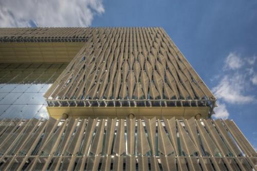 Chiêm ngưỡng những công trình sử dụng lam chắn nắng đẹp nhất hiện nay3
