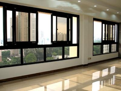 cửa sổ mở trượt nhà cao tầng