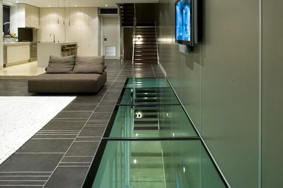 Sáng tạo không gian sống tuyệt vời với sàn nhà bằng kính cường lực4