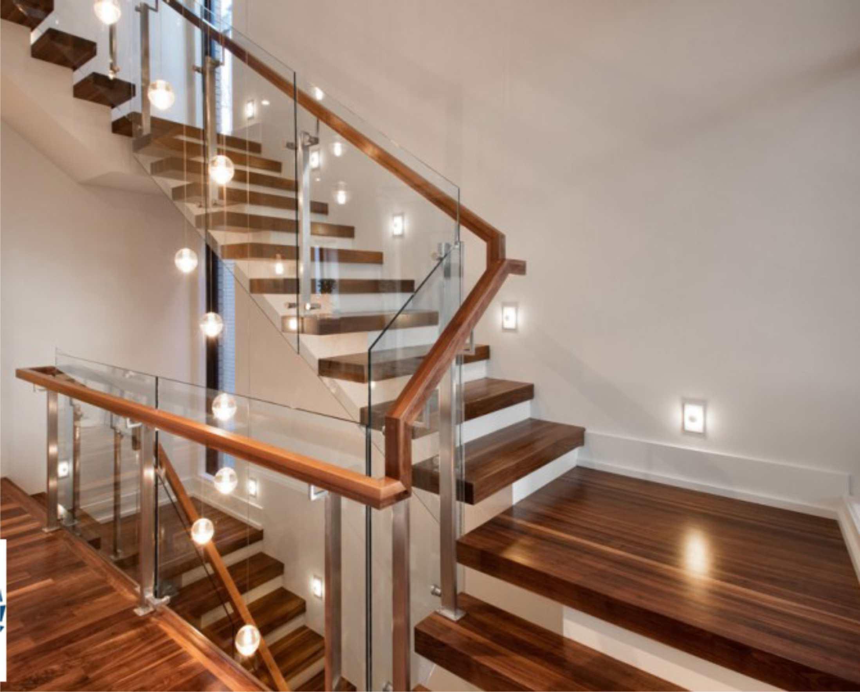 Thiết kế ngôi nhà hiện đại với cầu thang kính1